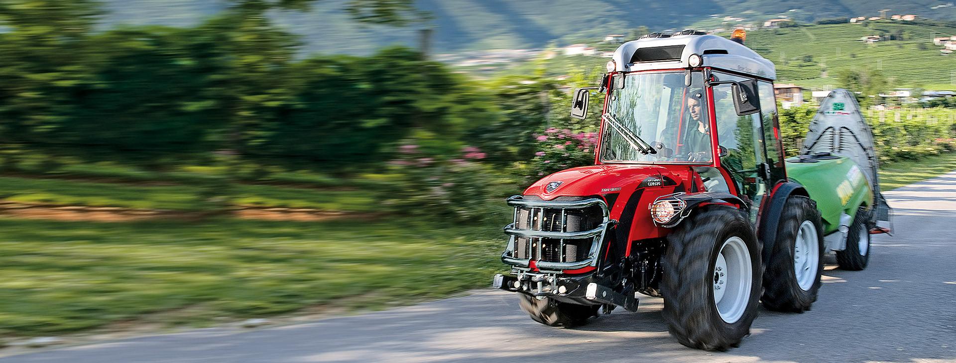 Traktoren und landwirtschaftliche Maschinen<br /> von Ihrem Partner KLG