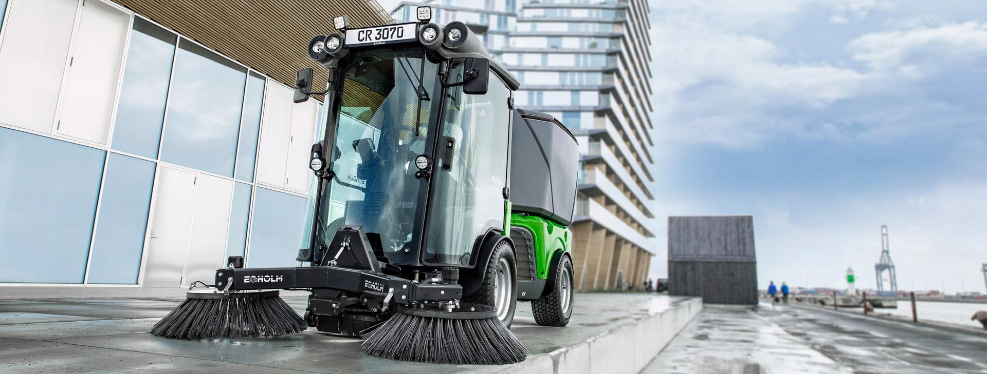 Wir führen eine große Auswahl an<br /> Maschinen für Kommunen und Landwirtschaft.